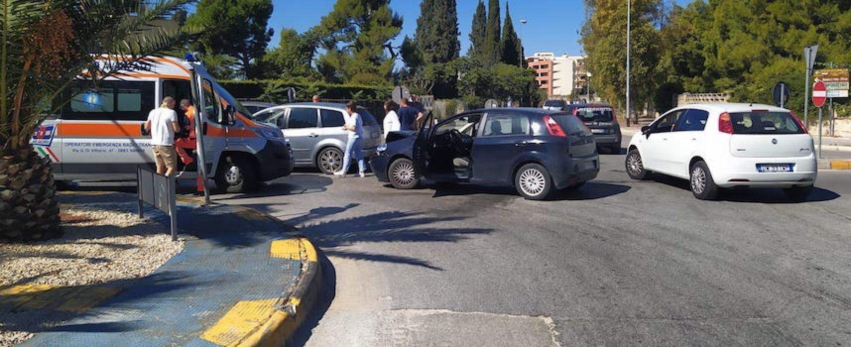 Incidente in via Sant'Andrea, una donna ferita