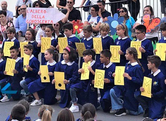 """Primo giorno di scuola con la """"Festa dell'accoglienza"""" alla """"San Giovanni Bosco"""" / FOTO"""