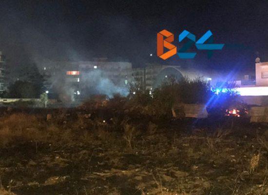 A fuoco appezzamento di terreno in via Padre Kolbe