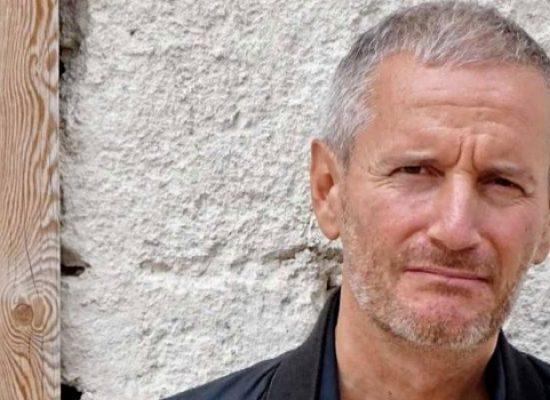 """Gli studenti dell'Istituto """"Cosmai"""" incontrano lo scrittore Francesco Carofiglio"""