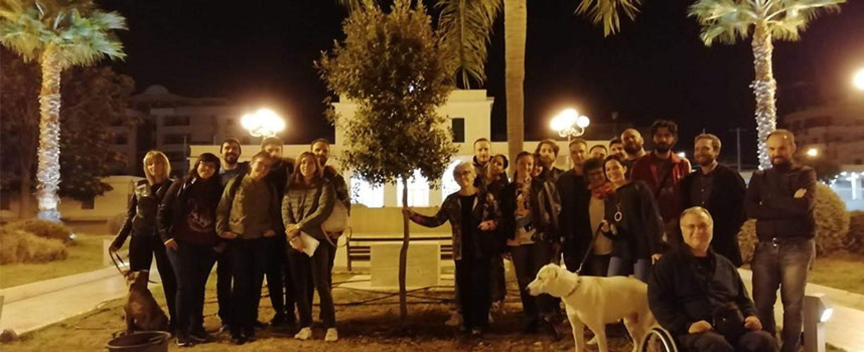 Piazza Diaz, nella notte piantata quercia dove verrà posta statua Giovanni Paolo II