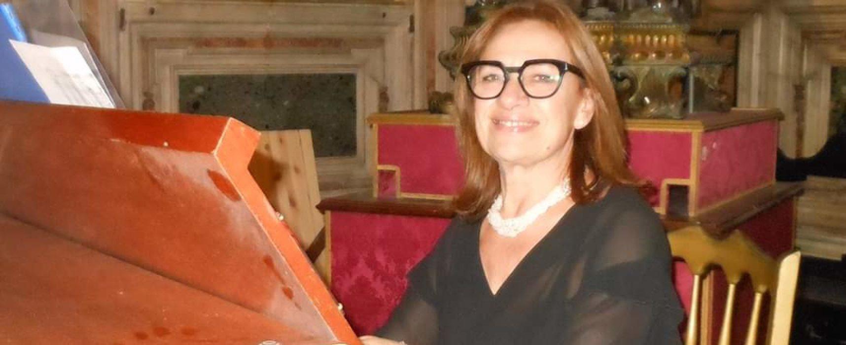 La Maestra Angelarosa Graziani apre il decennale dei Club per l'Unesco di Bisceglie e Napoli