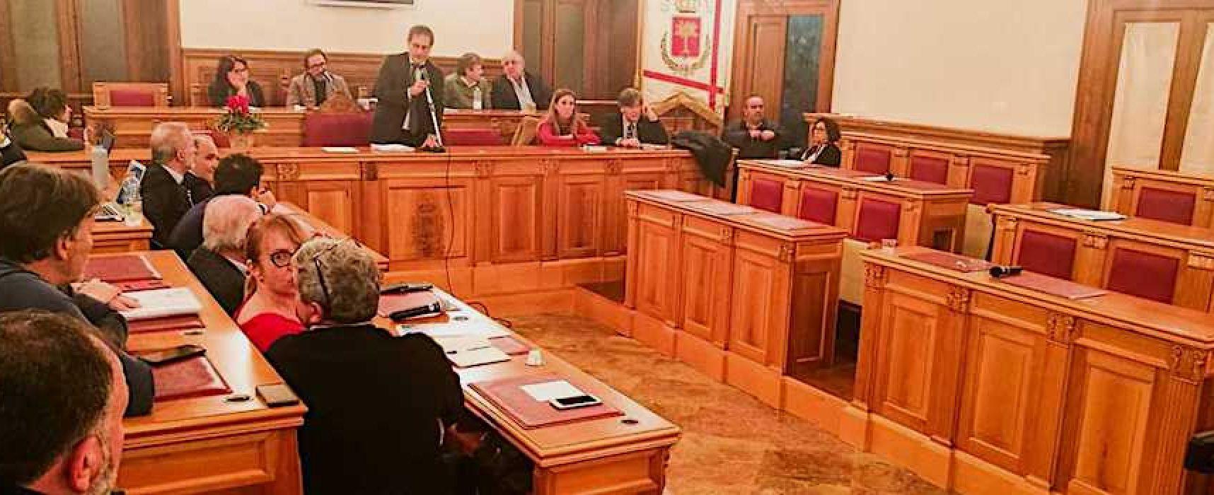 """Consiglio comunale, opposizione abbandona aula. Angarano: """"Loro piano fallito"""""""