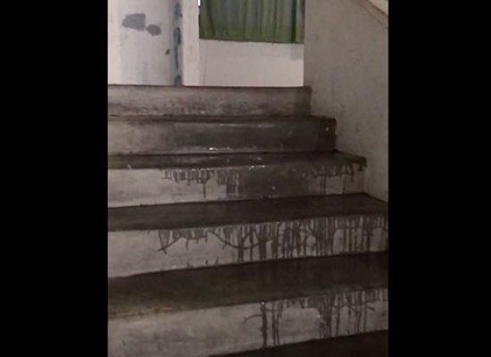 Forti piogge e nuove infiltrazioni al PalaDolmen / VIDEO