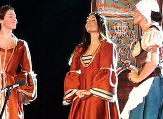 """Applausi ed emozioni per """"Romeo e Giulietta"""" della Compagnia Fagipamafra / FOTO"""