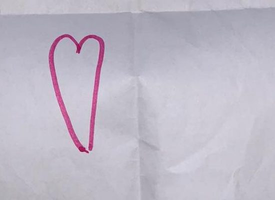 """Terremoto Albania, il regalo di una bambina ai volontari biscegliesi: """"Grazie per esserci vicini"""""""