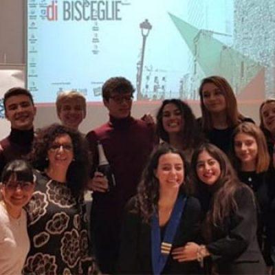 """Interact e Rotary Bisceglie presentano """"Giovani Esperienze Vincenti"""""""