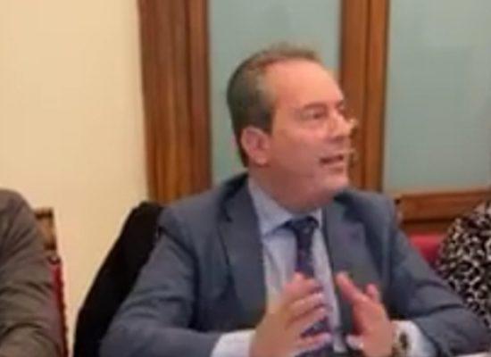 """Le opposizioni invocano il Prefetto: """"Sciolga quanto prima il consiglio comunale"""""""