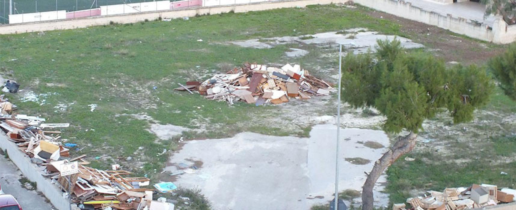 Lettera di un cittadino denucia terreno trasformato in discarica con scusa del falò / FOTO
