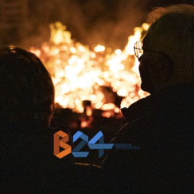 Falò, si rinnova la tradizione della Vigilia dell'Immacolata a Bisceglie / FOTO