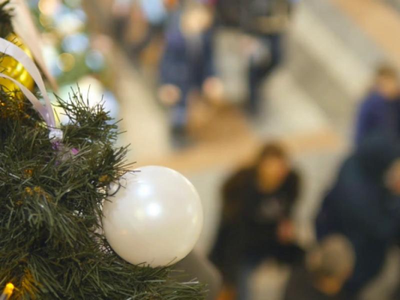 Aperishopping, le domeniche natalizie in piazza san Francesco