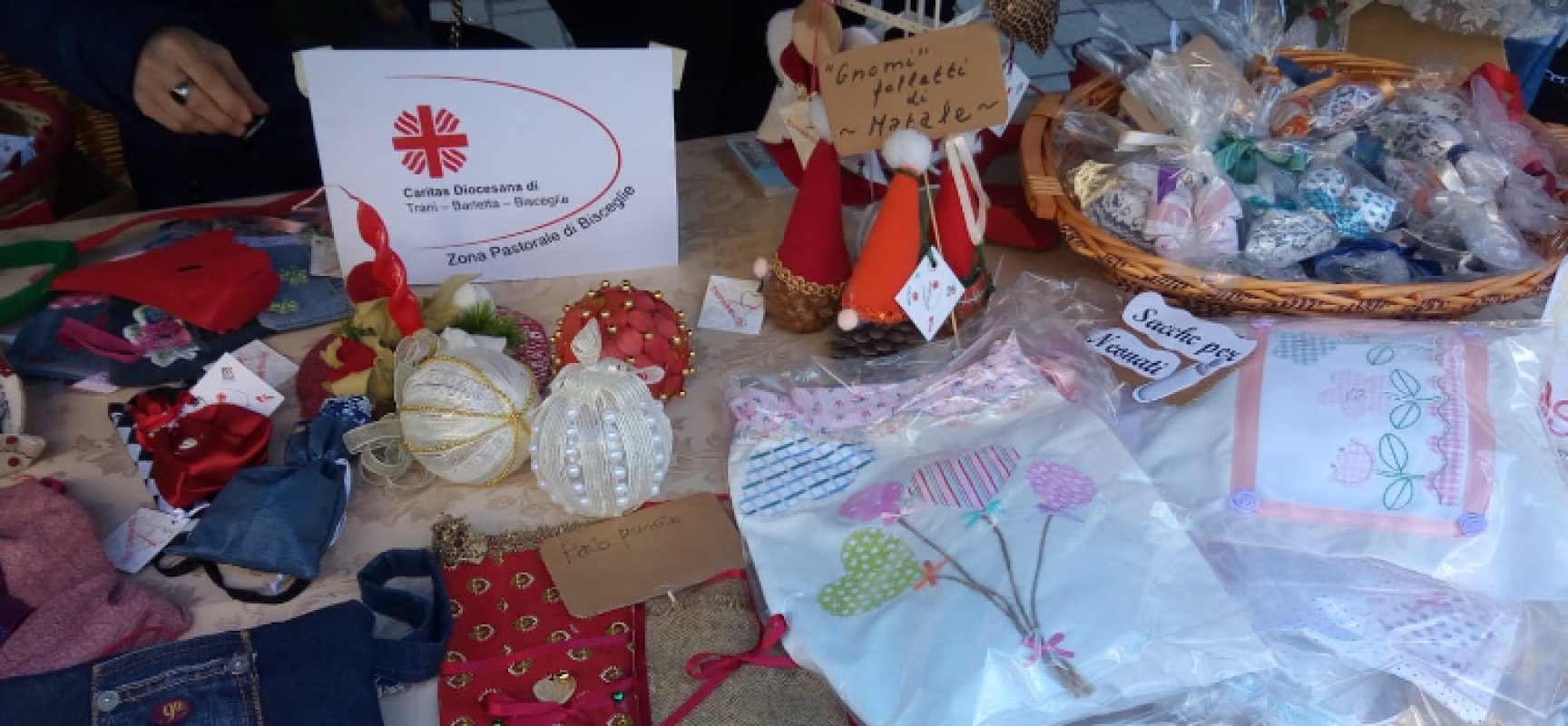 """""""Natale in sartoria"""", mercatino organizzato da Emporio eco-solidale e """"Storie&stoffe"""""""