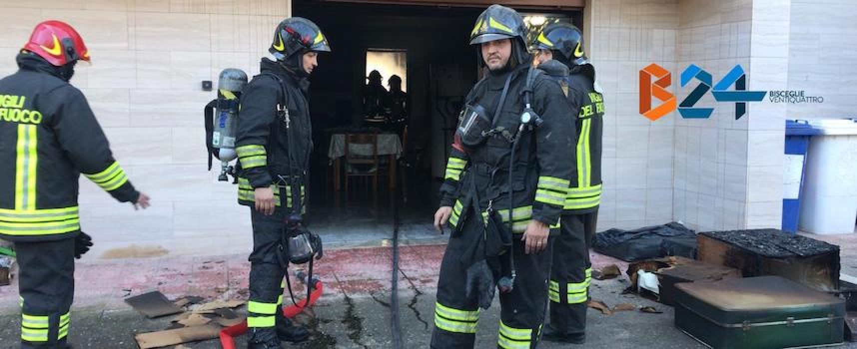 Incendio in un box in via dell'industria