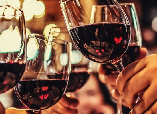 """""""In vino veritas"""": musica, degustazioni e teatro alla libreria """"Prendi Luna"""""""