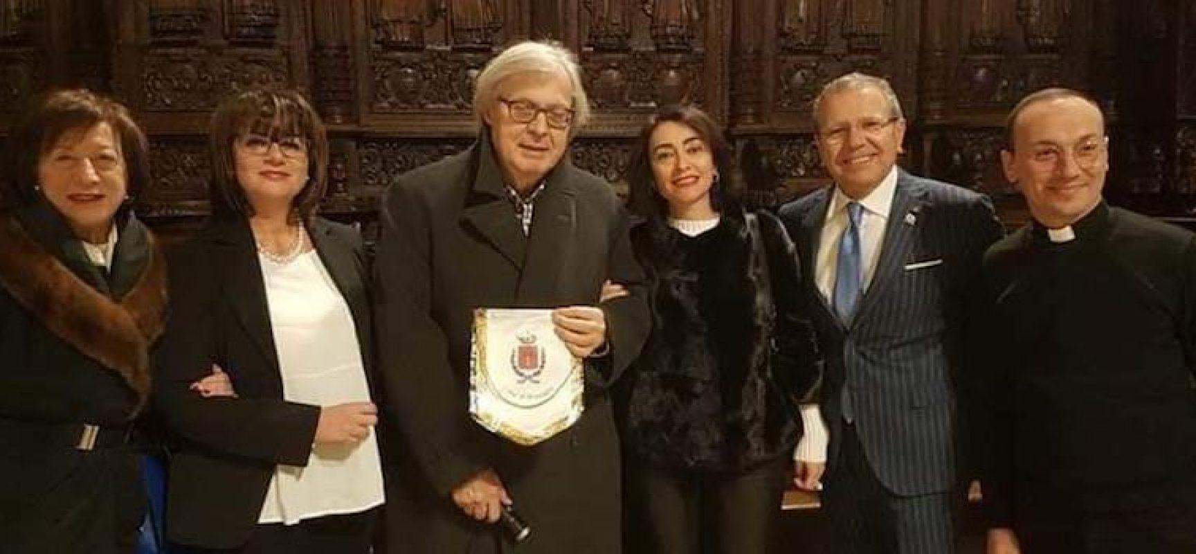 Restituito alla Cattedrale il coro ligneo restaurato: alla cerimonia anche Vittorio Sgarbi