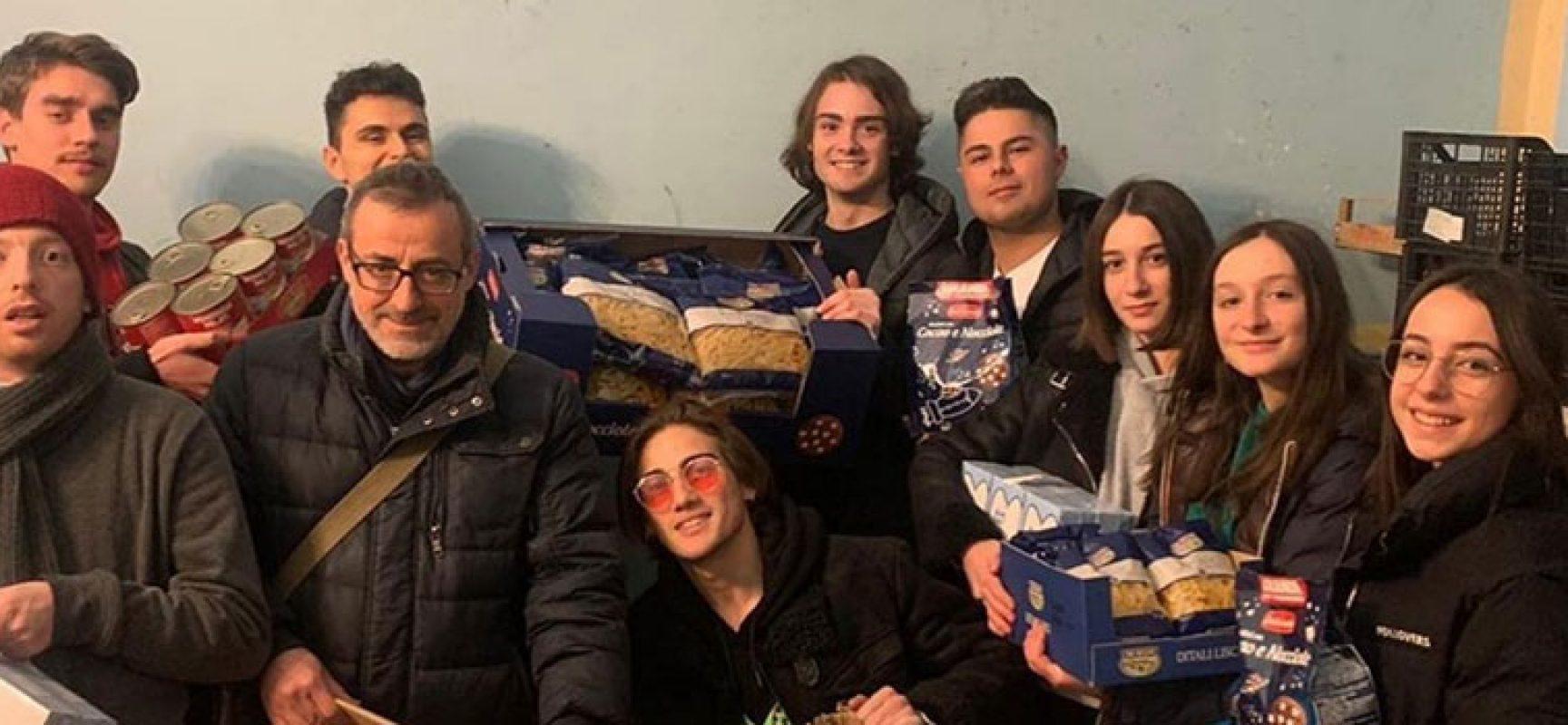 """Bisceglie Illuminata dona alla Caritas ricavato torneo """"Calcio sotto le stelle"""""""