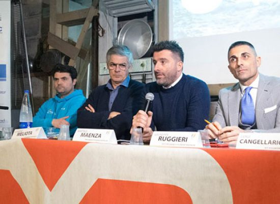 Presentata ufficialmente la Fitcenter Triathlon / VIDEO e FOTO