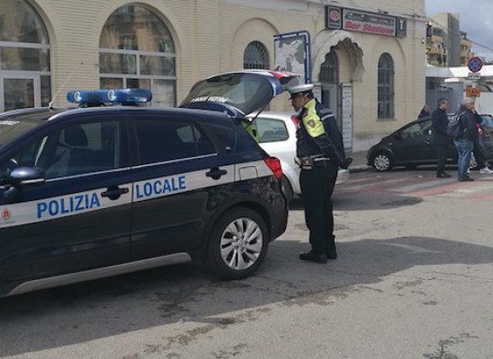 Coronavirus, Polizia Locale presidia stazione ferroviaria dopo le disposizioni regionali