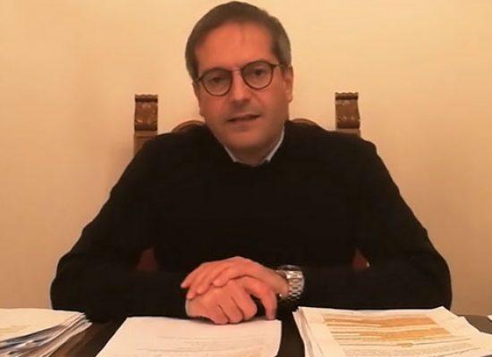 """Sindaco Angarano su assembramenti: """"Da settimana prossima chiudiamo Piazza del pesce"""""""