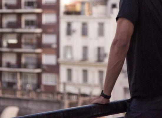 L'Inno di Mameli dal balcone o dalla finestra, oggi il flash mob per sentirsi uniti anche se distanti