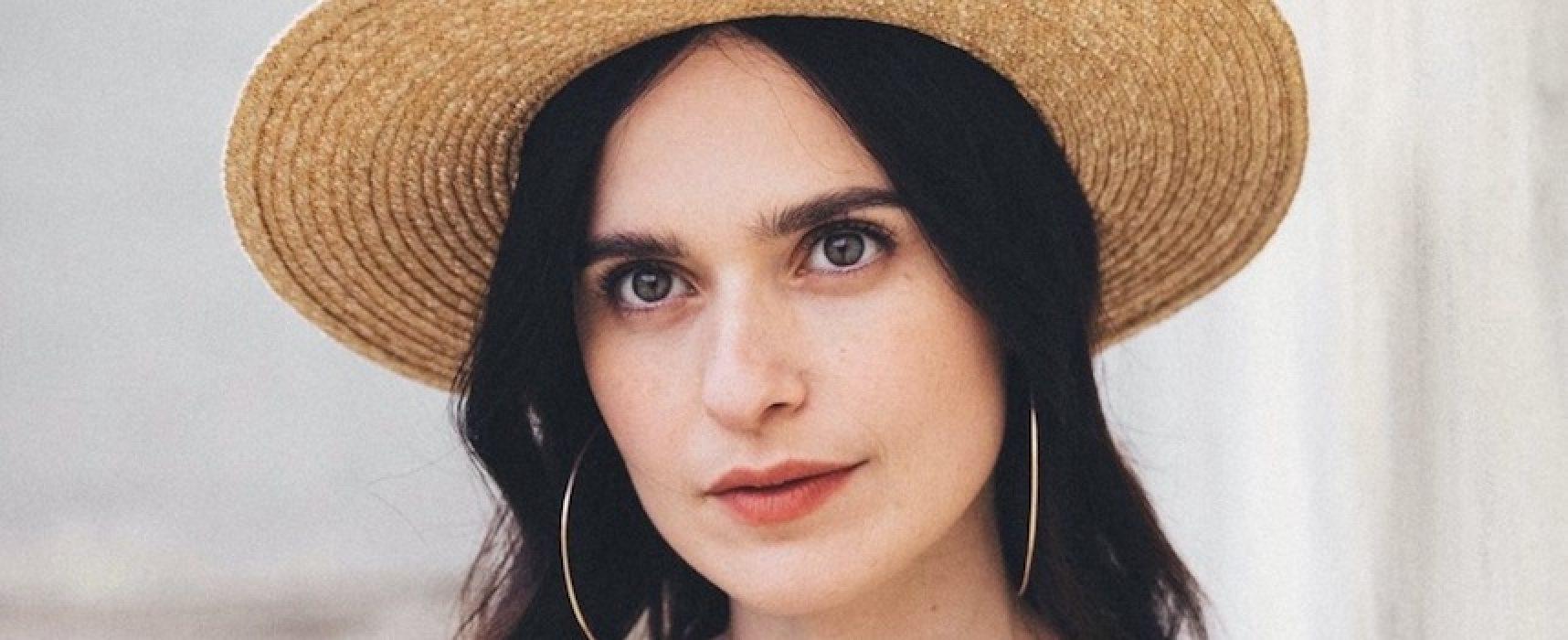 """Erica Mou ospite del festival online """"La panchina dei versi – Insieme contro il coronavirus"""""""