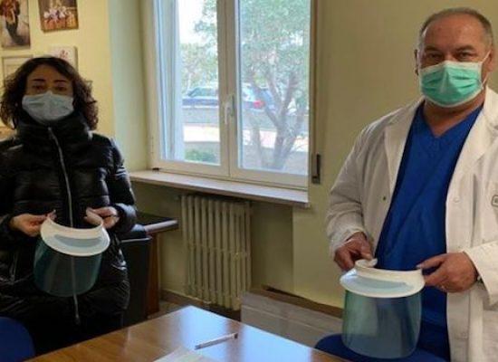 Il Rotary Club dona 100 visiere all'Ospedale di Bisceglie