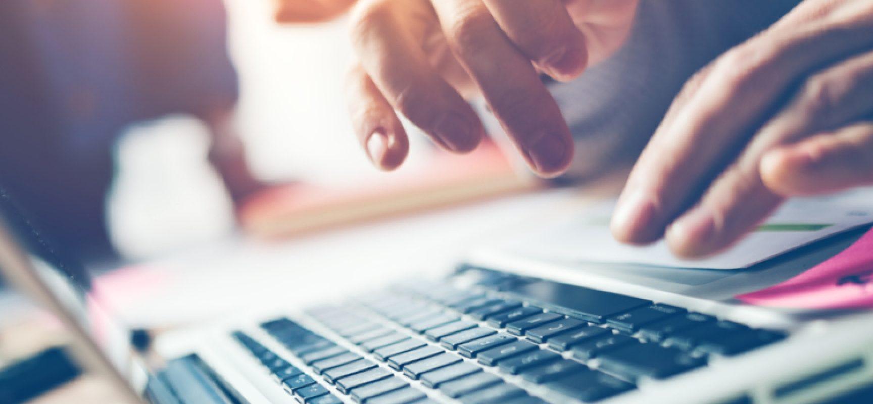 """Solidarietà digitale,""""Laptop Felice"""" per donare pc e tablet a bambini bisognosi / PUNTI DI RACCOLTA"""