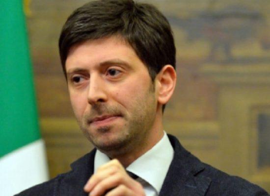 """Covid, Ministro Speranza: """"Tamponi rapidi presto anche in tutte le farmacie d'Italia"""""""