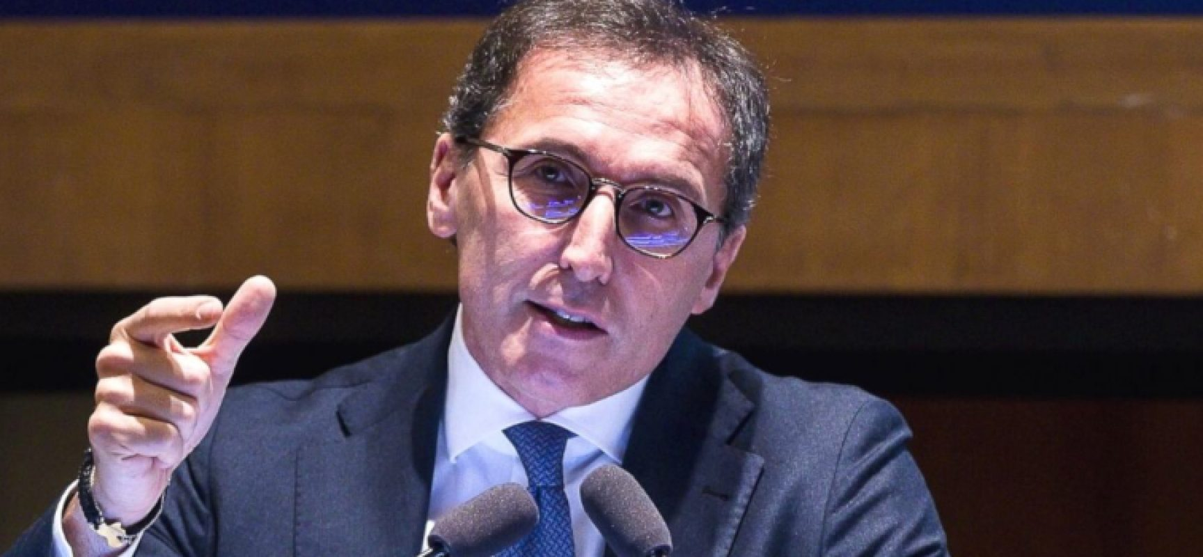 """Ministro Boccia: """"Occorre rispetto norme, basta un errore e chiudiamo regioni a rischio"""""""