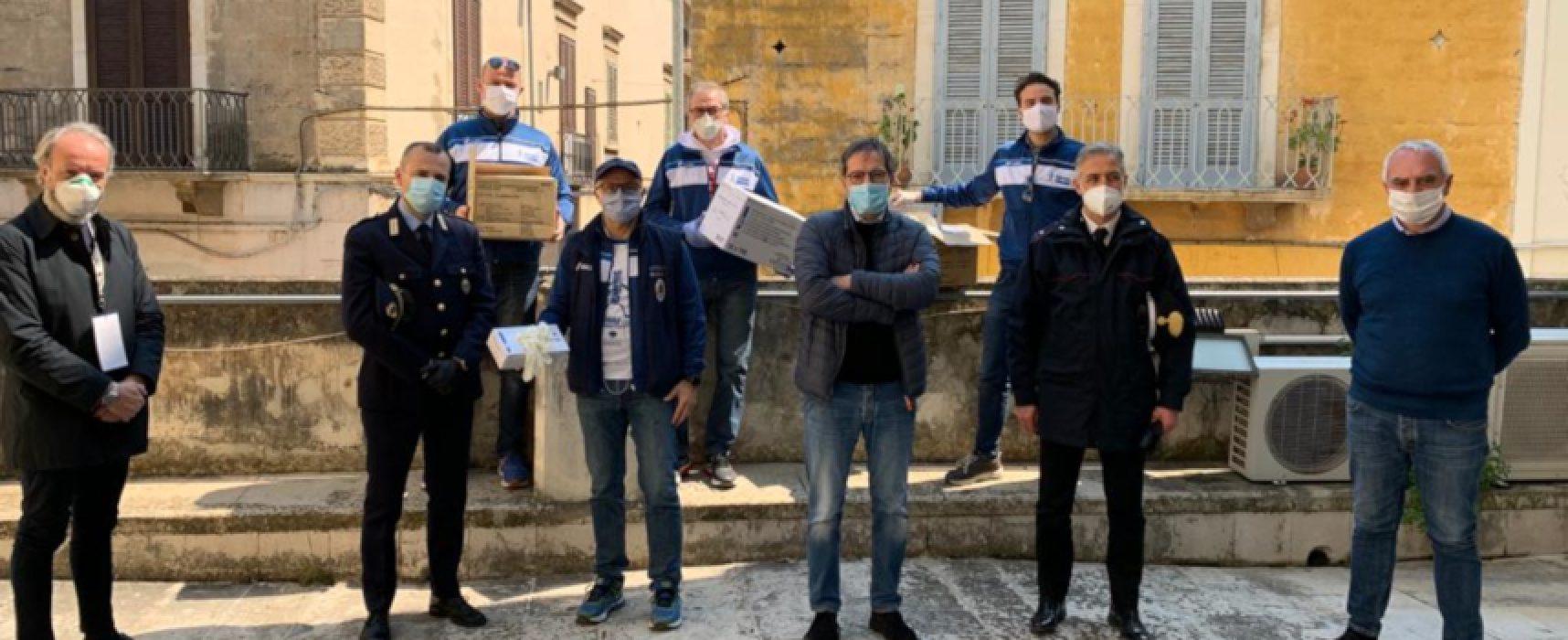 Bisceglie Running dona guanti a Protezione Civile, Ospedale, Polizia Locale, Metronotte e Carabinieri