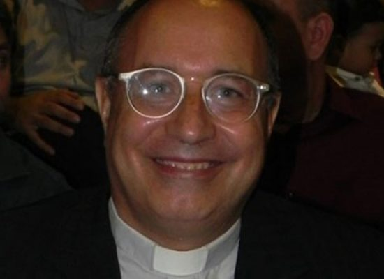 """Don Mario Pellegrino: """"Sono negativo al Covid-19, grazie per aver pregato per me"""""""