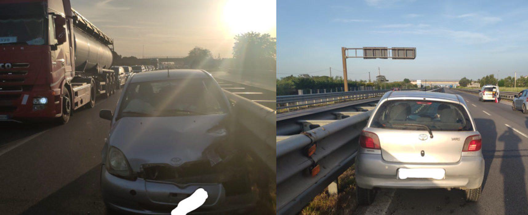Auto contro guard rail su 16bis, un ferito in ospedale