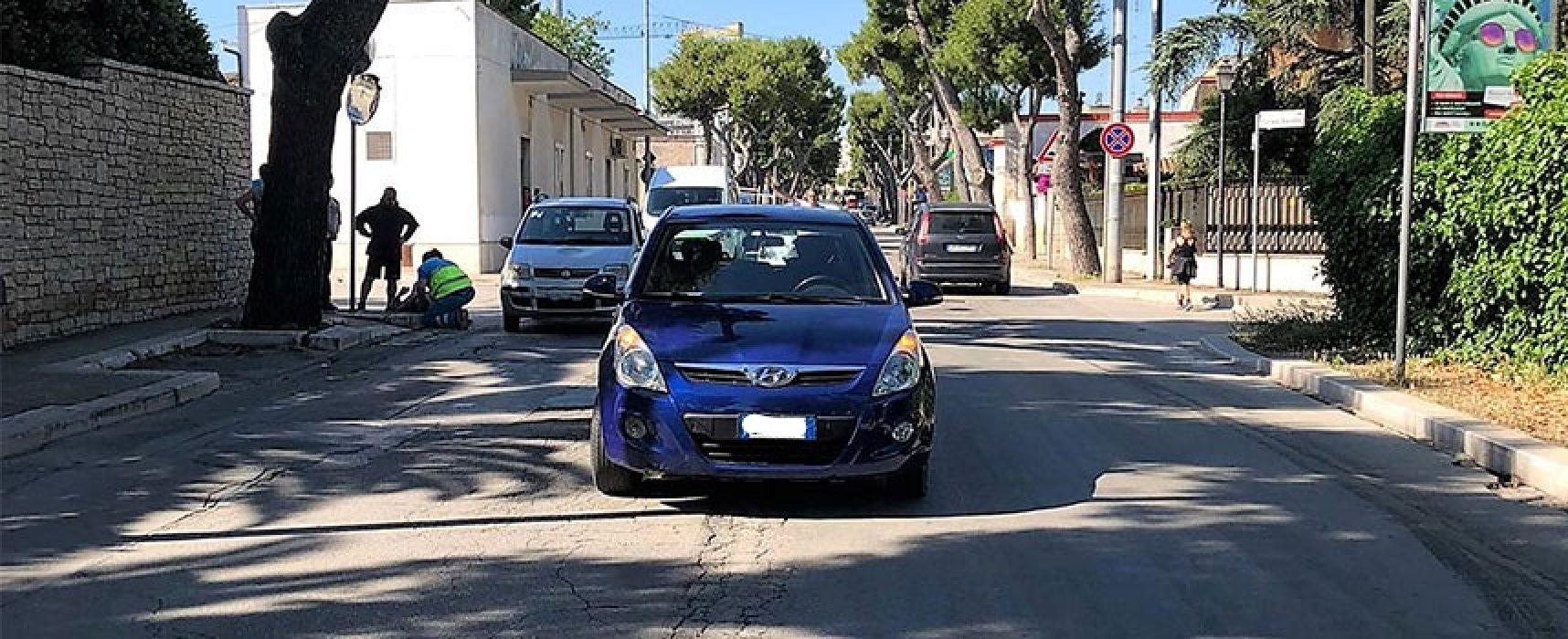 Donna biscegliese travolta dopo scontro tra due auto in via della Libertà