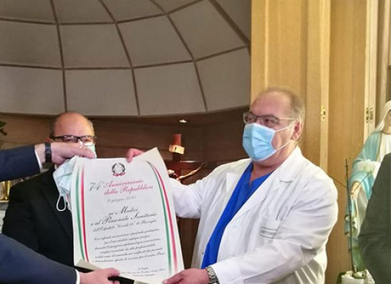 """Prefetto in visita all'ospedale di Bisceglie: """"Grazie per il grande lavoro svolto"""" / VIDEO"""