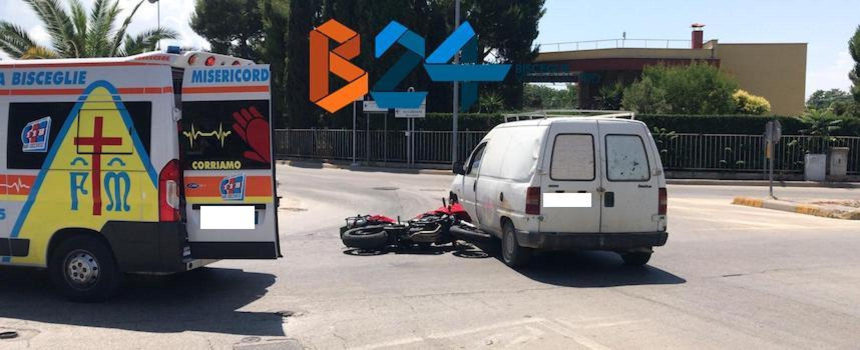 Incidente in via Sant'Andrea, 25enne in ospedale