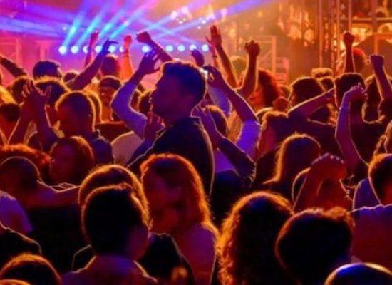 Regione Puglia, ordinanza per gestione spazi all'aperto e discoteche