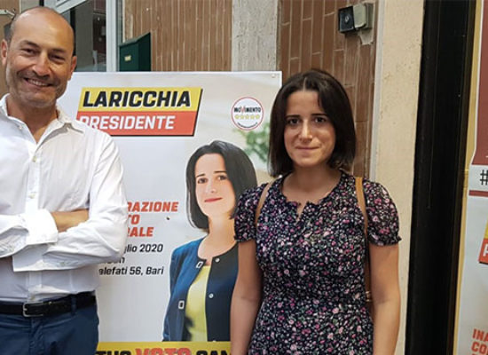 Movimento 5 Stelle presenta i canditati Laricchia e Acquaviva in zona BiMarmi