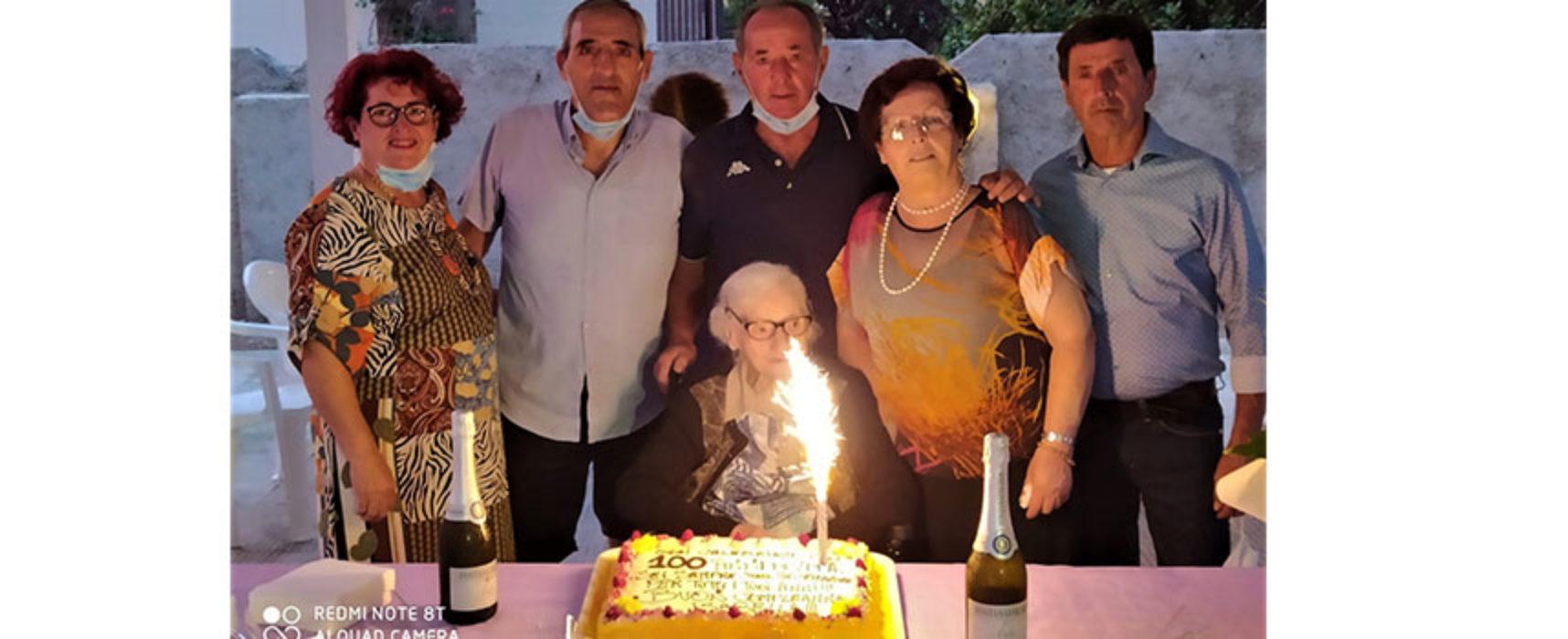 Bisceglie festeggia i 100 anni compiuti da Isabella Di Terlizzi