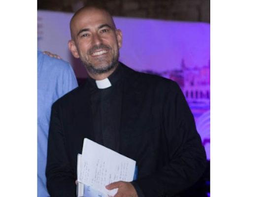 """Parrocchia san Pietro, presentazione del libro """"Servi nella Chiesa"""" di don Gaetano Corvasce"""