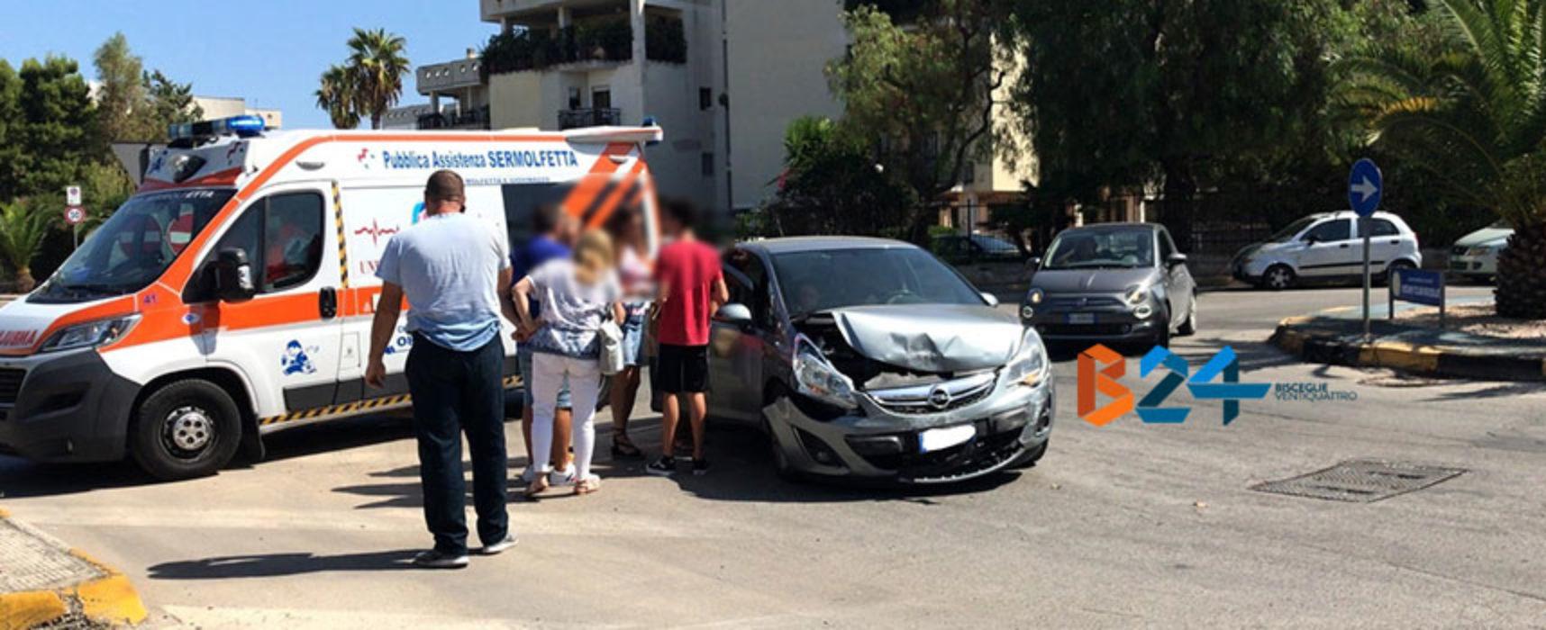 Scontro tra due auto in zona Sant'Andrea, 18enne trasportata in ospedale