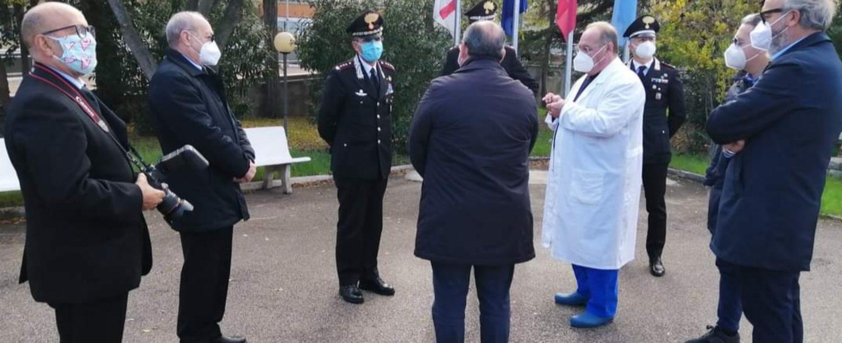 Carabinieri e Comitato de Trizio donano dispositivi di protezione a operatori sanitari