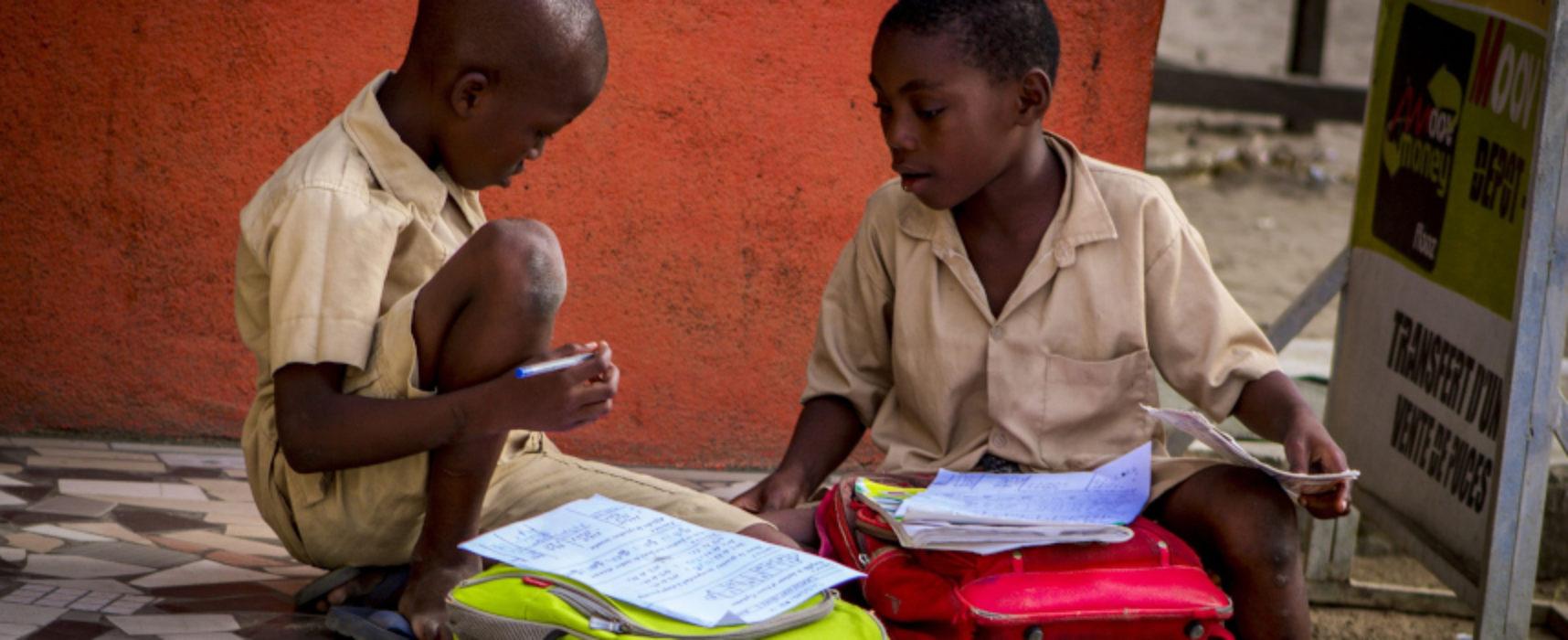 """Giornata mondiale dei diritti dei bambini, l'omaggio dell'associazione """"L'Ora Blu"""""""