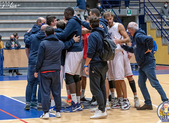 Basket, l'Alpha Pharma vince all'overtime contro Nardò all'esordio
