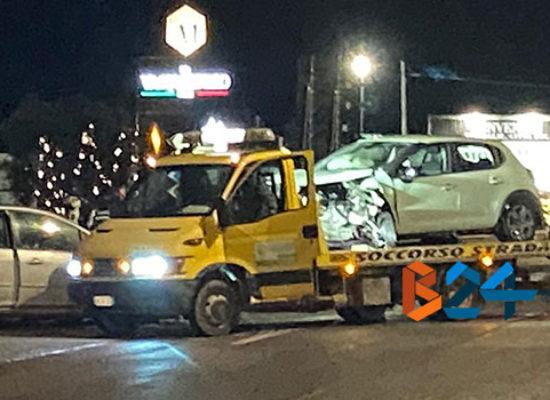 Scontro tra due auto in via sant'Andrea, due i feriti in ospedale