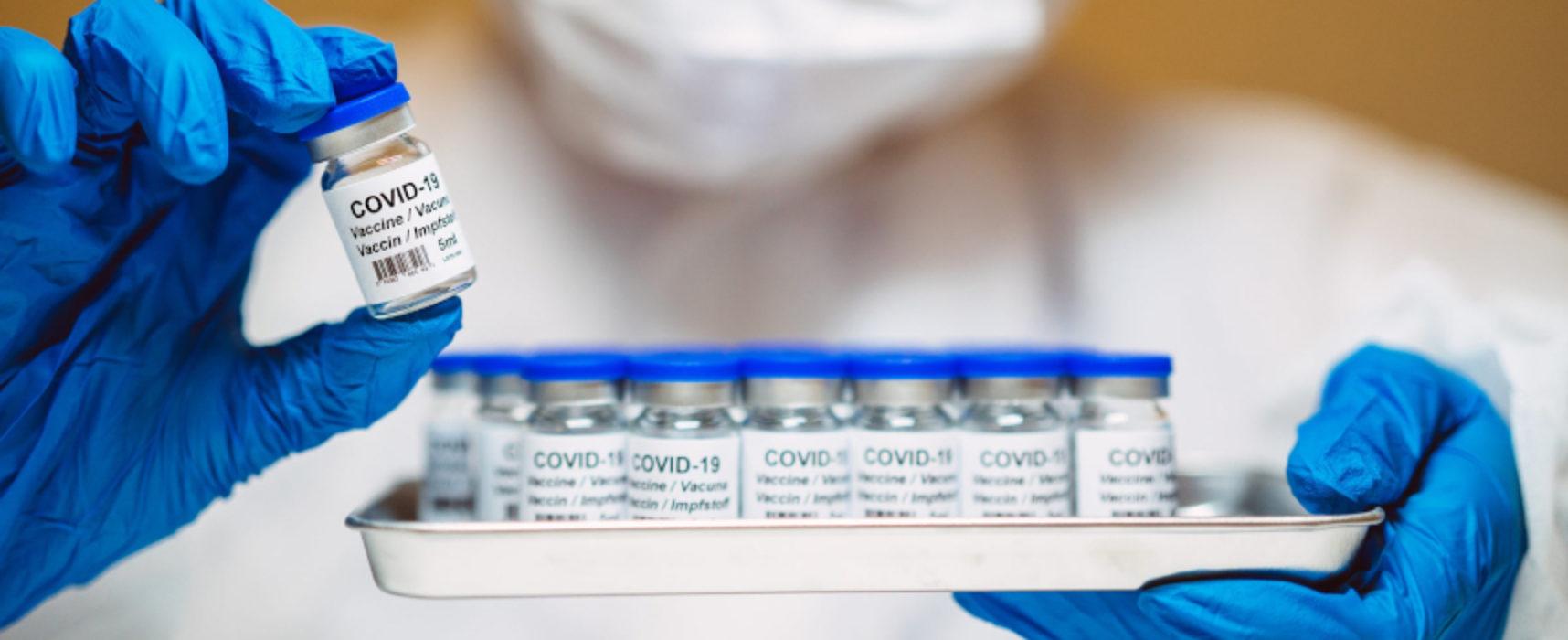 Vaccini anti Covid a ultra ottantenni, prenotazioni on line dal 15 febbraio / DETTAGLI