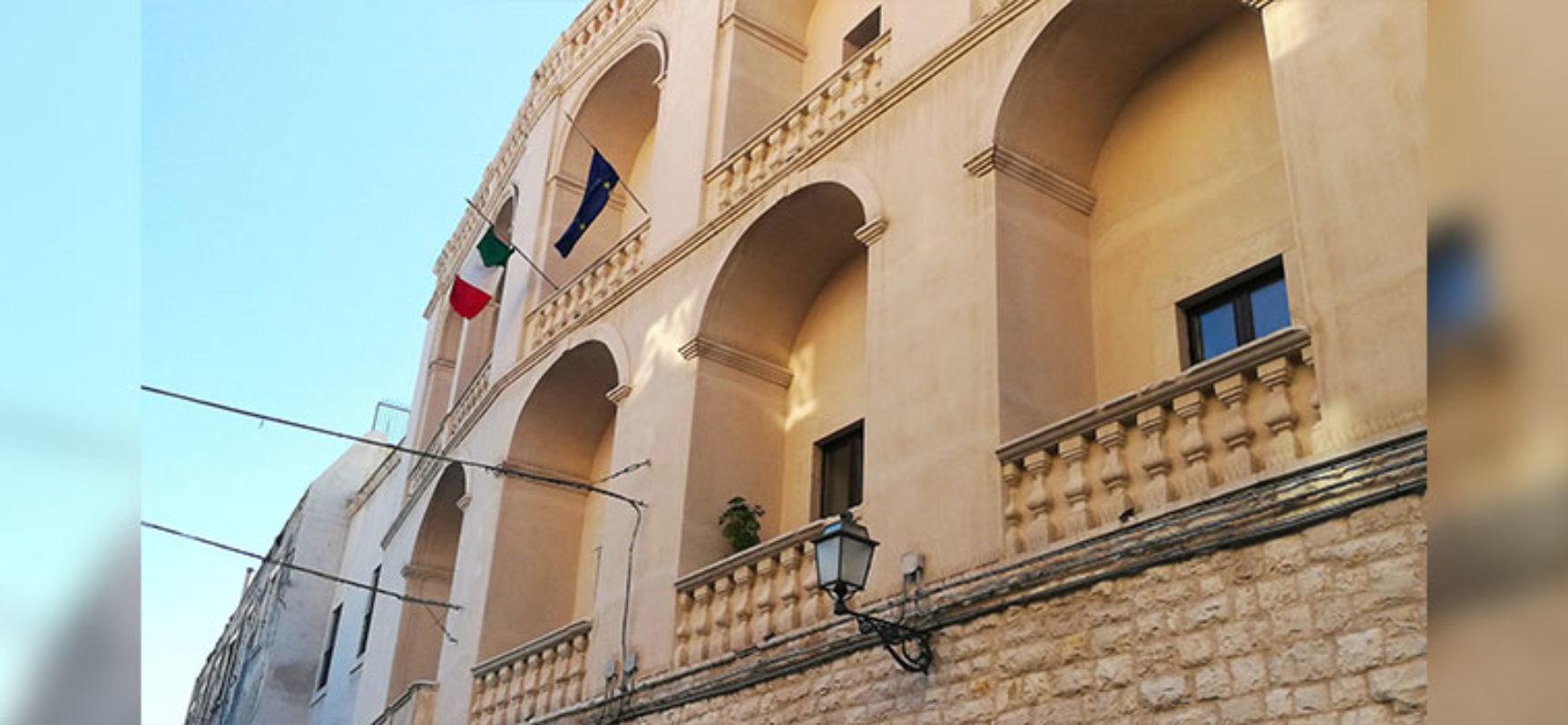 Attentato in Congo, bandiere a mezz'asta a Palazzo di Città