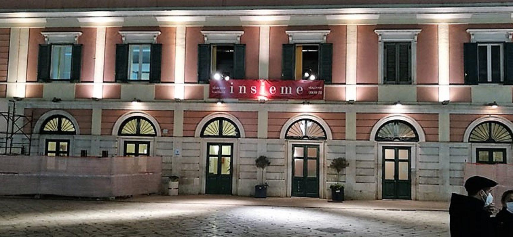 """Anche Bisceglie ha aderito all'iniziativa """"Facciamo luce sul teatro!"""", Angarano: """"Grazie a chi opera nel settore"""""""