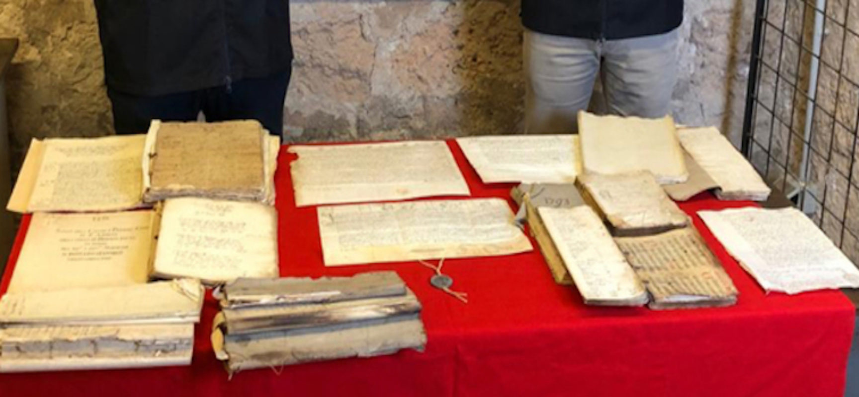 Rinvenuti documenti trafugati da archivio diocesano di Bisceglie per valore di 400mila euro