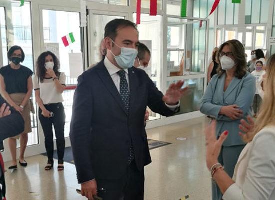 """Sottosegretario Sasso a scuola 'San Giovanni Bosco': """"Non ha mai chiuso, impeccabili"""""""