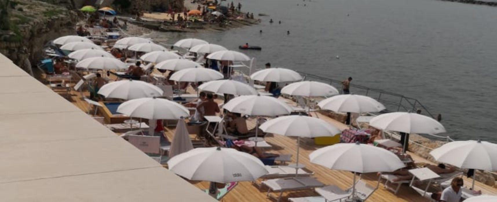 """La Salata, Napoletano: """"Superficie occupata da ombrelloni e lettini, evidente violazione bando"""""""